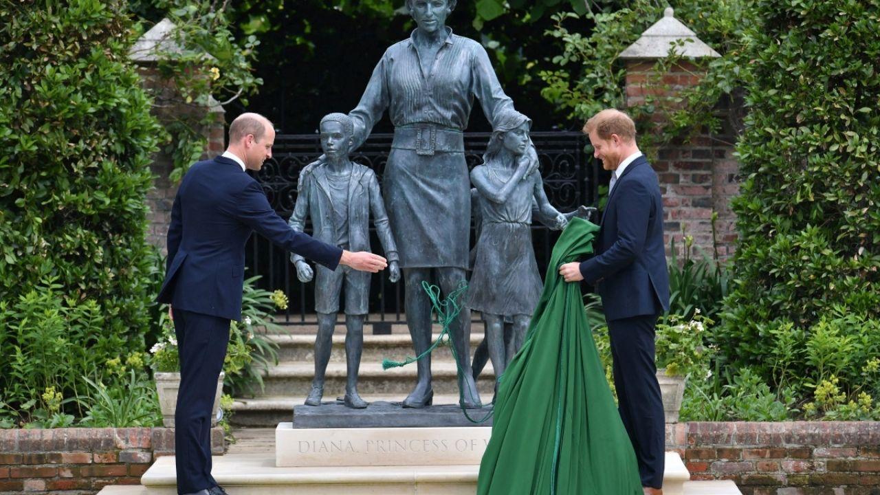 Hay reconciliación? William y Harry se reúnen para develar estatua de Lady Di: FOTOS + VIDEO | Heraldo USA